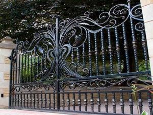 дорогой кованый забор