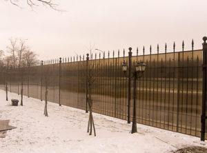 Забор из поликарбоната привлекательный