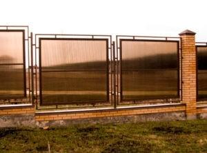 Забор из поликарбоната классический
