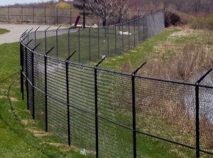 забор из рабицы защитный