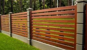 забор из дерева стоимость