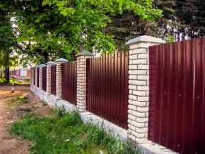 заборы в Мытищинском районе из кирпича и профнастила
