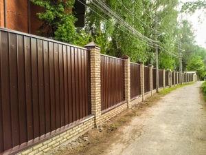 заборы в Ногинском районе из кирпича и профнастила